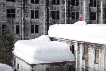 FI_snow_hana_beaman_because_of_snowboarding