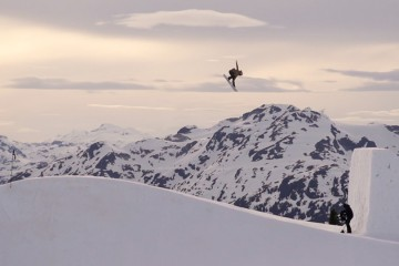 FI - Snow - Ladies Jump Session Whistler