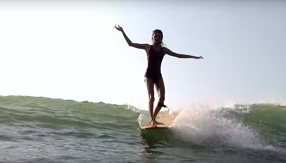 [Surf] Kassia Meador & Kelia Moniz in Hainan Island, China