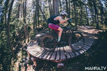 Specialized Women's Let Her Rip at Crankworx 2016