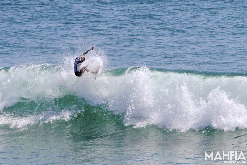 mahfia_supergirlpro_surfing_b4bc_10